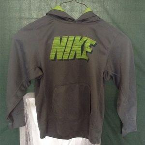 Boy Nike Sweatshirt w/hoodie - M